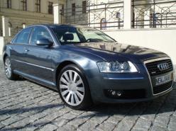 Audi A8 3,0 TDI QUATRO TIPTR.