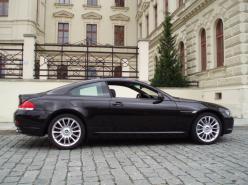 a BMW 650i COUPE INDIVIDUAL   Výbava BMW INDIVIDUAL - nejexlusivnější způsob jak jezdit  BMW PRODÁNO 15.10.09